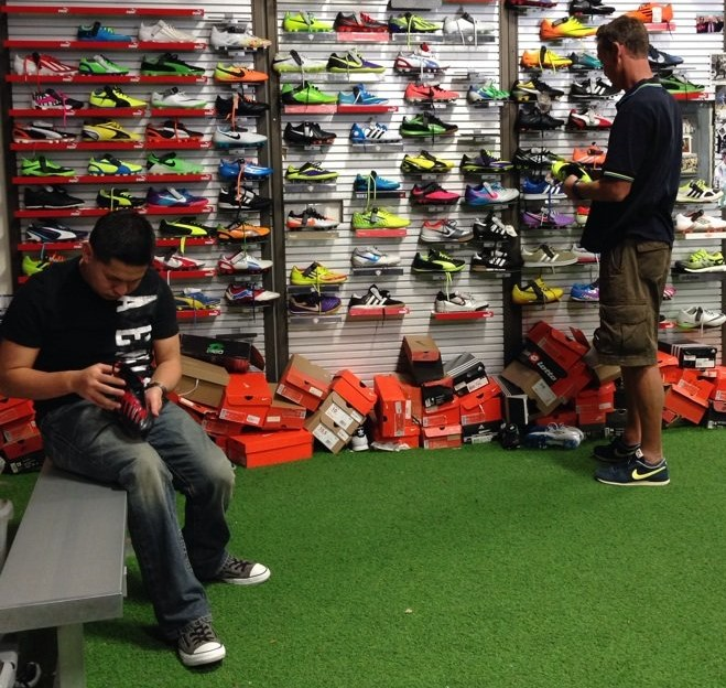 buying-soccer-boots-2
